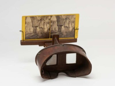 A Stereoscopic viewer